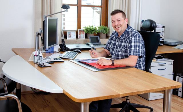 Schreinerei streitenberger ideen in holz for Schreibtisch in l form